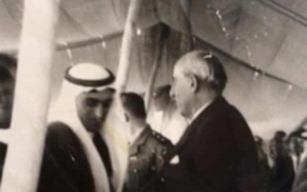 صورة شكري القوتلي يضع حجر الأساس للمستشفى الوطني في القامشلي 1947