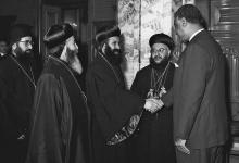 صورة جمال عبد الناصر يستقبل بطريرك السريان الأرثوذكس عام 1959(3)