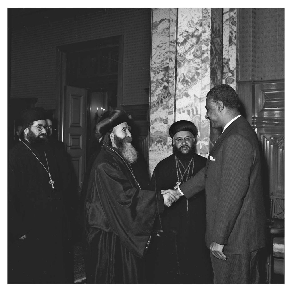 جمال عبد الناصر يستقبل بطريرك السريان الأرثوذكس عام 1959(2)
