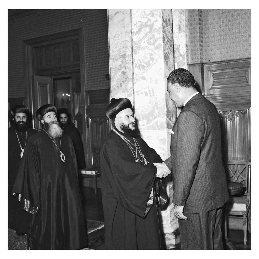 جمال عبد الناصر يستقبل بطريرك السريان الأرثوذكس عام 1959(5)