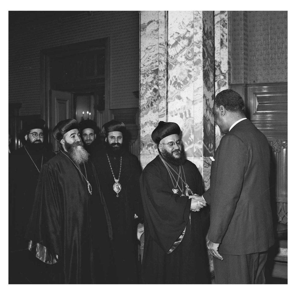 جمال عبد الناصر يستقبل بطريرك السريان الأرثوذكس عام 1959(6)