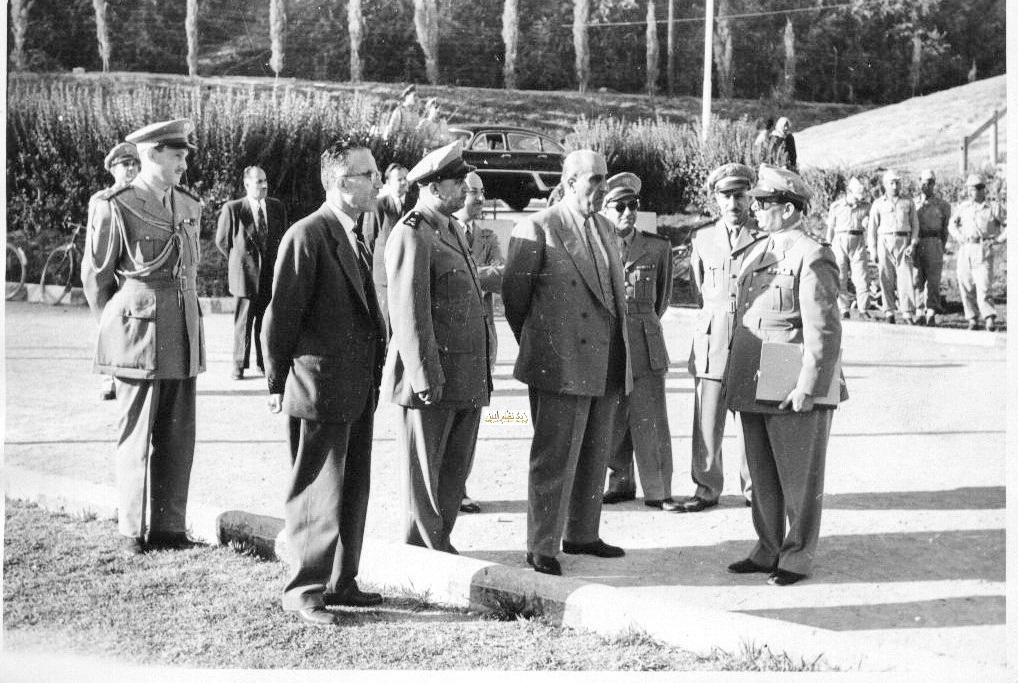 شكري القوتلي في زيارة لأحـد مواقـع تدريب المقاومـة الشعبيـة 1956 (11/2)
