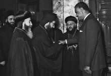 صورة جمال عبد الناصر يستقبل بطريرك السريان الأرثوذكس عام 1959(4)