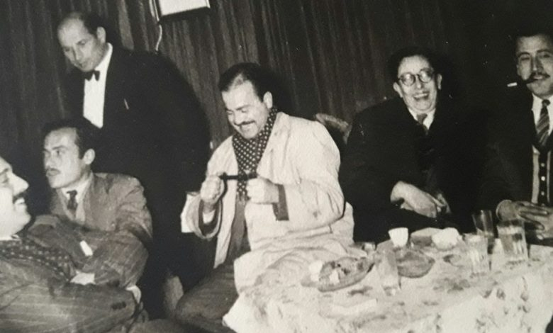 صورة عدنان محي الدين ونهاد الغادري في نادي اللواء بحلب عام 1953
