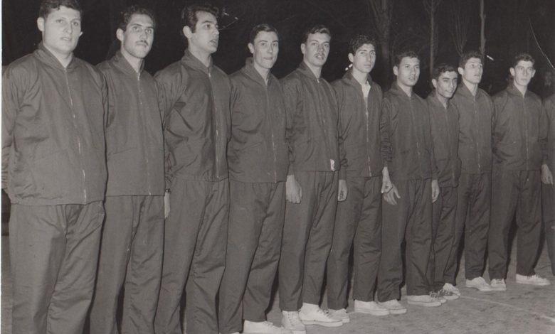 صورة فريق نادي الغوطة الدمشقي بكرة السلة عام 1963-1964