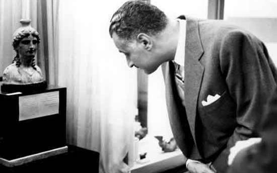 صورة زيارة جمال عبد الناصر الى المتحف الوطني بدمشق عام 1960