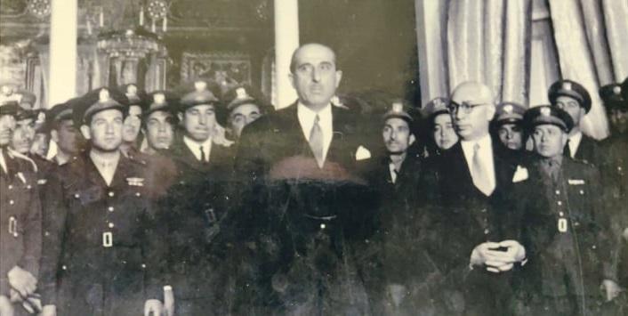 شكري القوتلي في استقبال وفد الطيارين السوريين من لندن عام 1947م