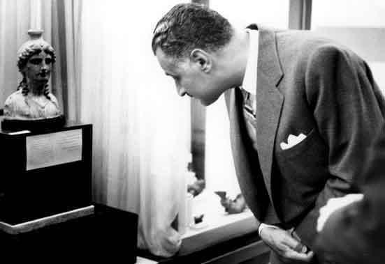 زيارة جمال عبد الناصر الى المتحف الوطني بدمشق عام 1960