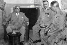 صورة شكري القوتلي يستقبل رئيس هدنة فلسطين بدمشق عام 1956