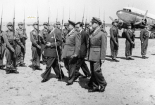 صورة وصول شكري القوتلي إلى تدمر واستعراض حرس الشرف 1957