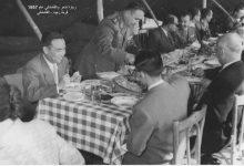 صورة اللواء توفيق نظام الدين وعدد من المدعوين في قرية زنود – القامشلي 1957