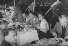 صورة عبد الباقي نظام الدين وعدد من المدعوين في قرية زنود – القامشلي 1957