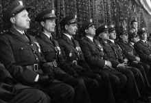 صورة ضباط من الجيش في احتفال عيد الجلاء 1954 (7)