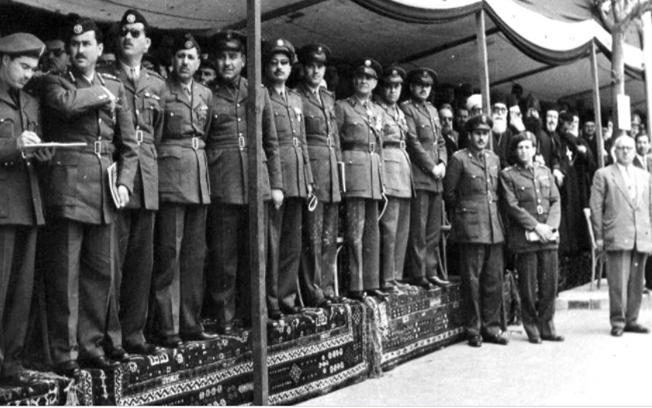 صورة ضباط من مصر والأردن يشاركون الضباط السوريين في احتفالات الجلاء  1957 (4)