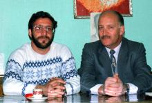 صورة نصر الدين البحرة وابنه عمر في دمشق عام 1984