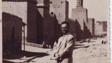 صورة يوسف الدبيسي أمام يور القاهرة عام 1961