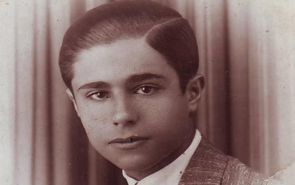 صورة يوسف الدبيسي – السويداء عام 1937
