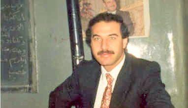 صورة الأستاذ يوسف محمد رشيد في مدرسة المأمون بحلب 1983