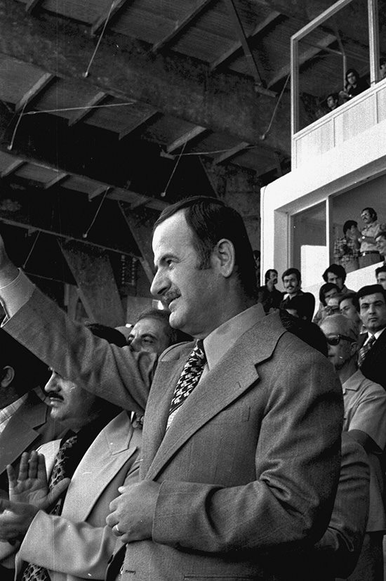 حافظ الأسد في افتتاح ملعب العباسيين (7)