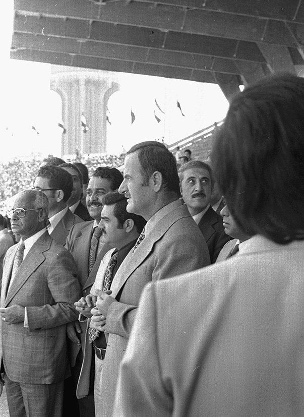 حافظ الأسد في افتتاح ملعب العباسيين (5)