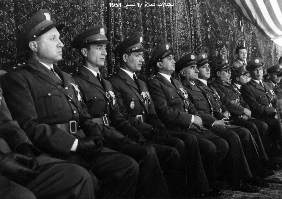ضباط من الجيش - احتفال عيد الجلاء 1954 (7)