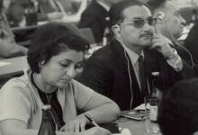 صورة عبد الغني قنوت ونجاح ساعاتي في مؤتمر أعضاء السلم عام 1969