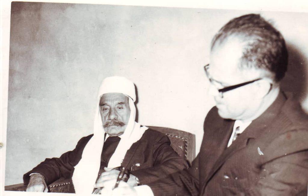 سلطان الأطرش يملي مذكراته على يوسف الدبيسي عام 1972