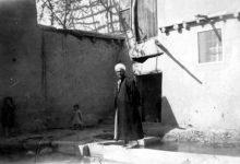 صورة الشيخ أحمد كفتارو في بلدة ببيلا في أربعينيات القرن العشرين