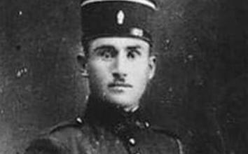 صورة الدركي عبد السلام رفعت لاش عام 1927