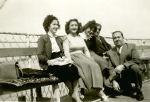 صورة نجاح ساعاتي في مؤتمر المحامين والصيادلة في حمص عام 1956
