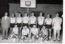صورة  فريق نادي الغوطة بكرة السلة عام 1958