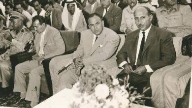 صورة الشاعر عبد المعين الملوحي ومحافظ حمص مصطفى رام حمداني في حمص عام 1960