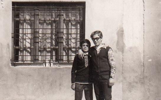 صورة طالبان في ساحة مدرسة الكلية الوطنية في اللاذقية عام 1970