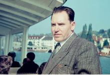 صورة الشيخ مصطفى السباعي في أوربا عام 1956م