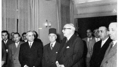 صورة خالد العظم واحسان الجابري واللواء توفيق نظام الدين عام 1957  (2)
